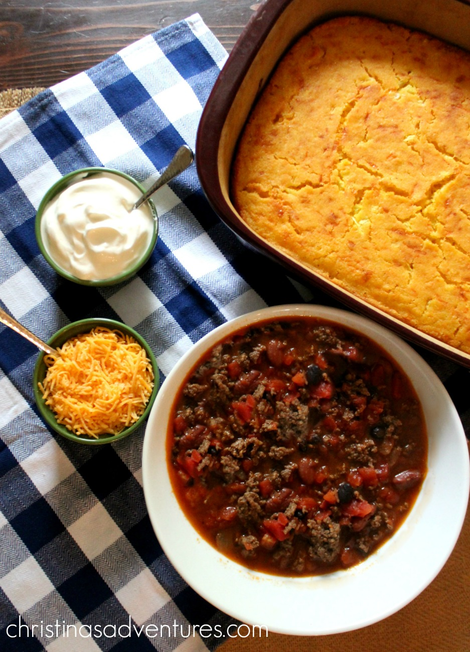 The BEST Chili & Cornbread you'll ever eat!