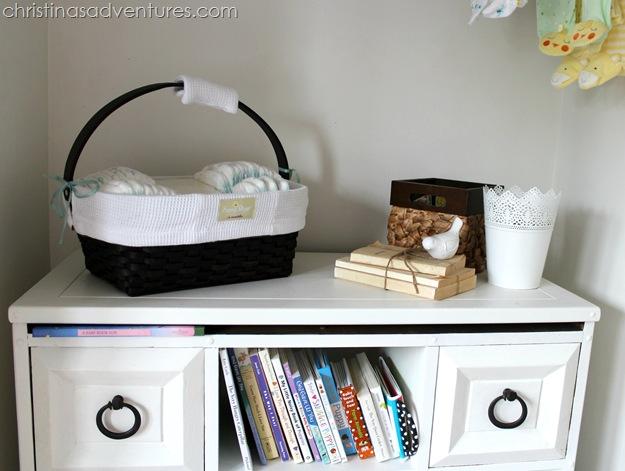 neutral nursery closet 2