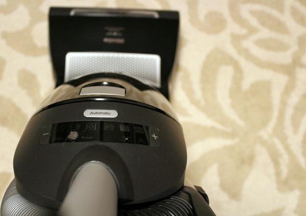 Black Upright S7 Miele Vacuum