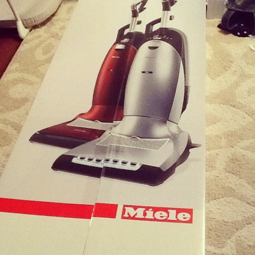 Getting my miele vacuum first impressions christinas for Miele vacuum motor burn out