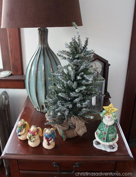 side table Christmas decor