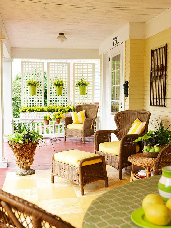 Outdoor privacy screen ideas christinas adventures for Deck furnishing ideas