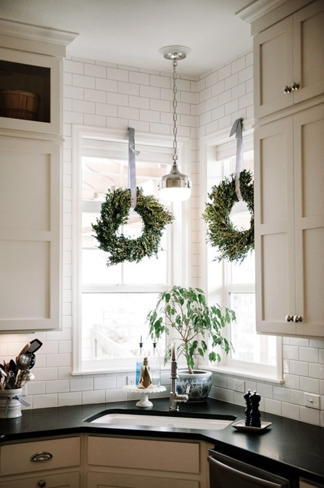 Decorating With Boxwood Wreaths Christinas Adventures