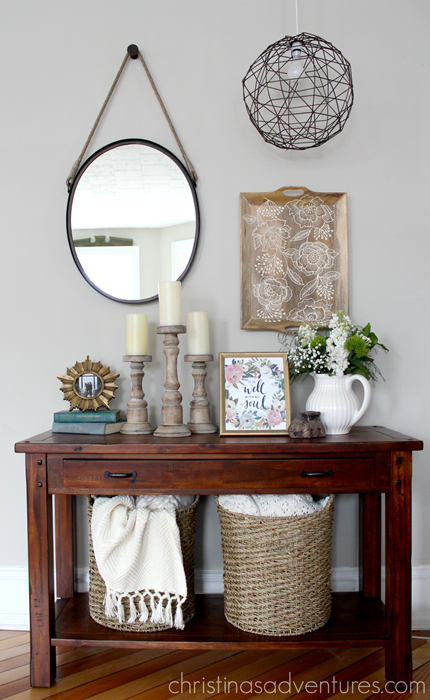 Family room table styling