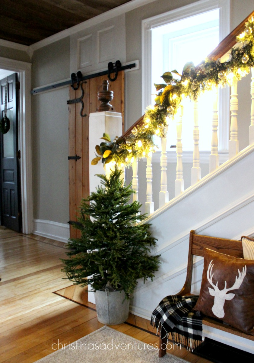 How To Hang Garland In 4 Easy Steps Christina Maria Blog