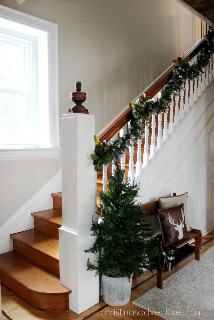 How-to-hang-garland