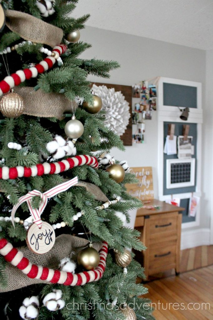 cotton-in-a-christmas-tree-rs