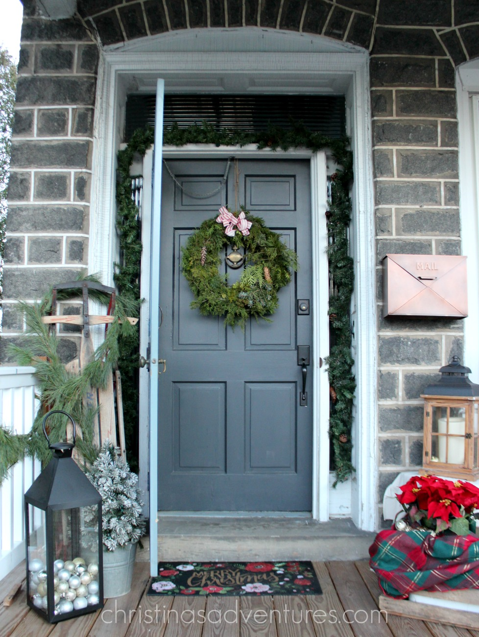 christmas front porch christinas adventures. Black Bedroom Furniture Sets. Home Design Ideas