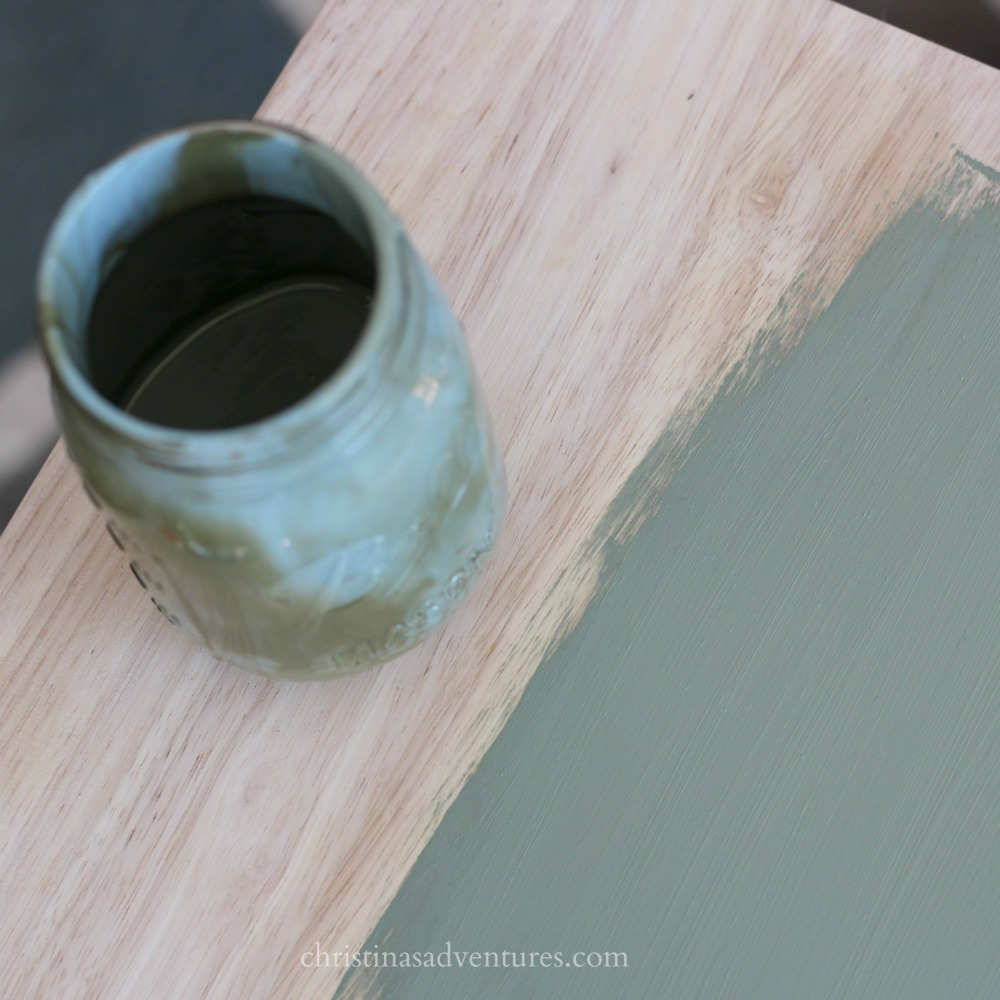 mix-these-two-chalk-paint-colors-to-get-a-great-vintage-farmhouse-green