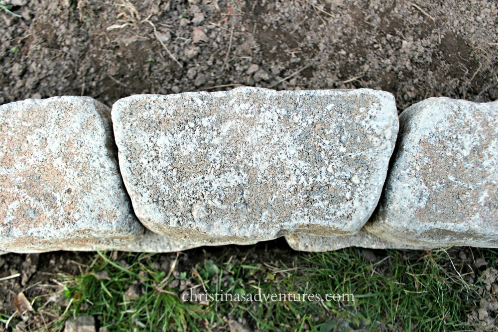 Easy curb appeal garden edging christinas adventures for Easy gardener lawn edging
