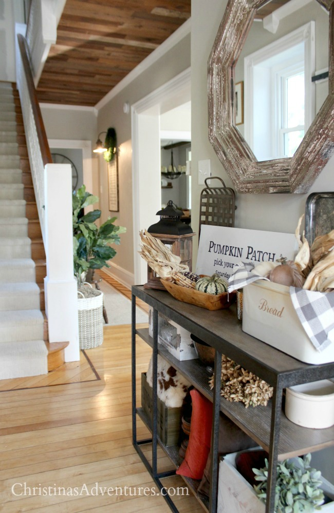 farmhouse fall entryway table