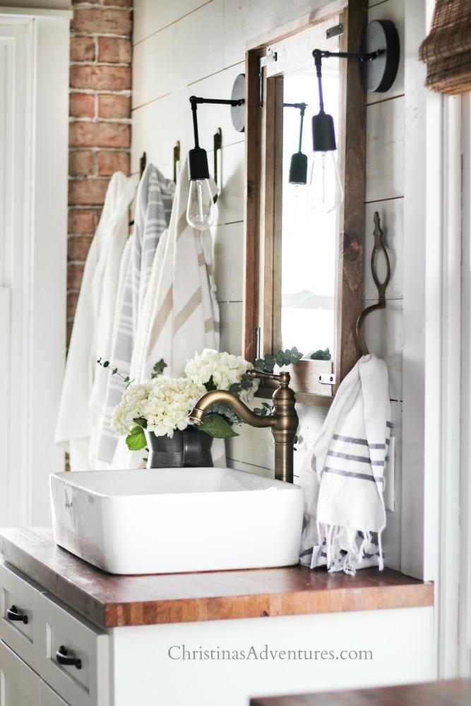 vintage inspired farmhouse bathroom decor for spring and summer - christinas adventures