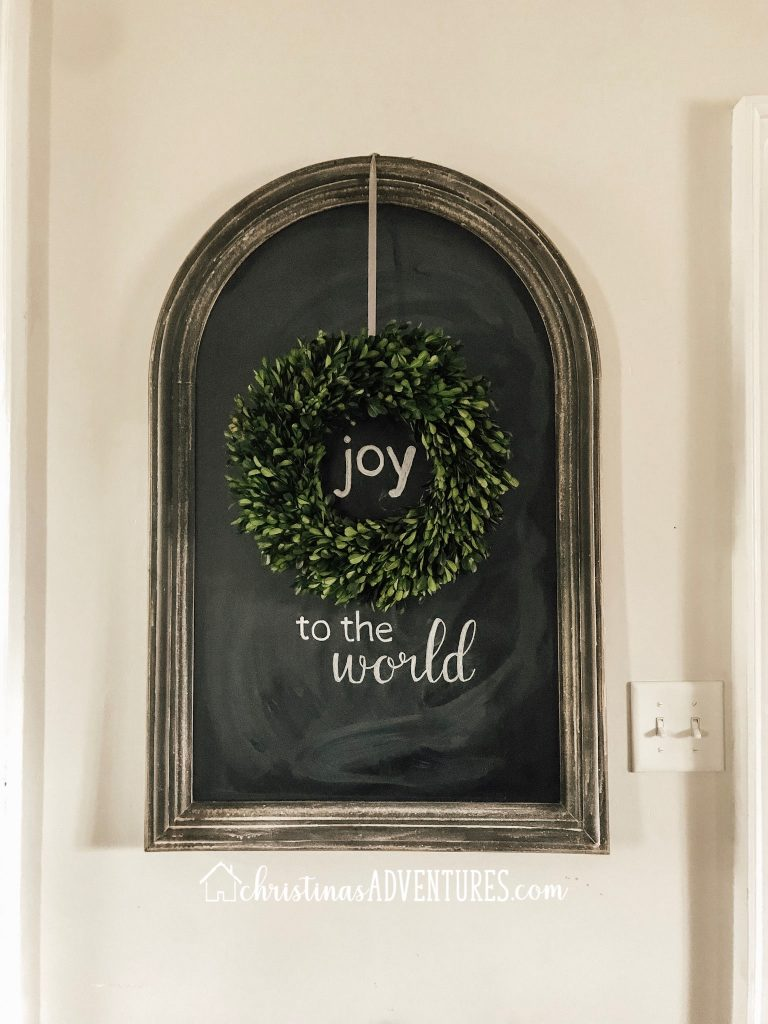 joy to the world chalkboard with boxwood wreath simple Christmas decoration