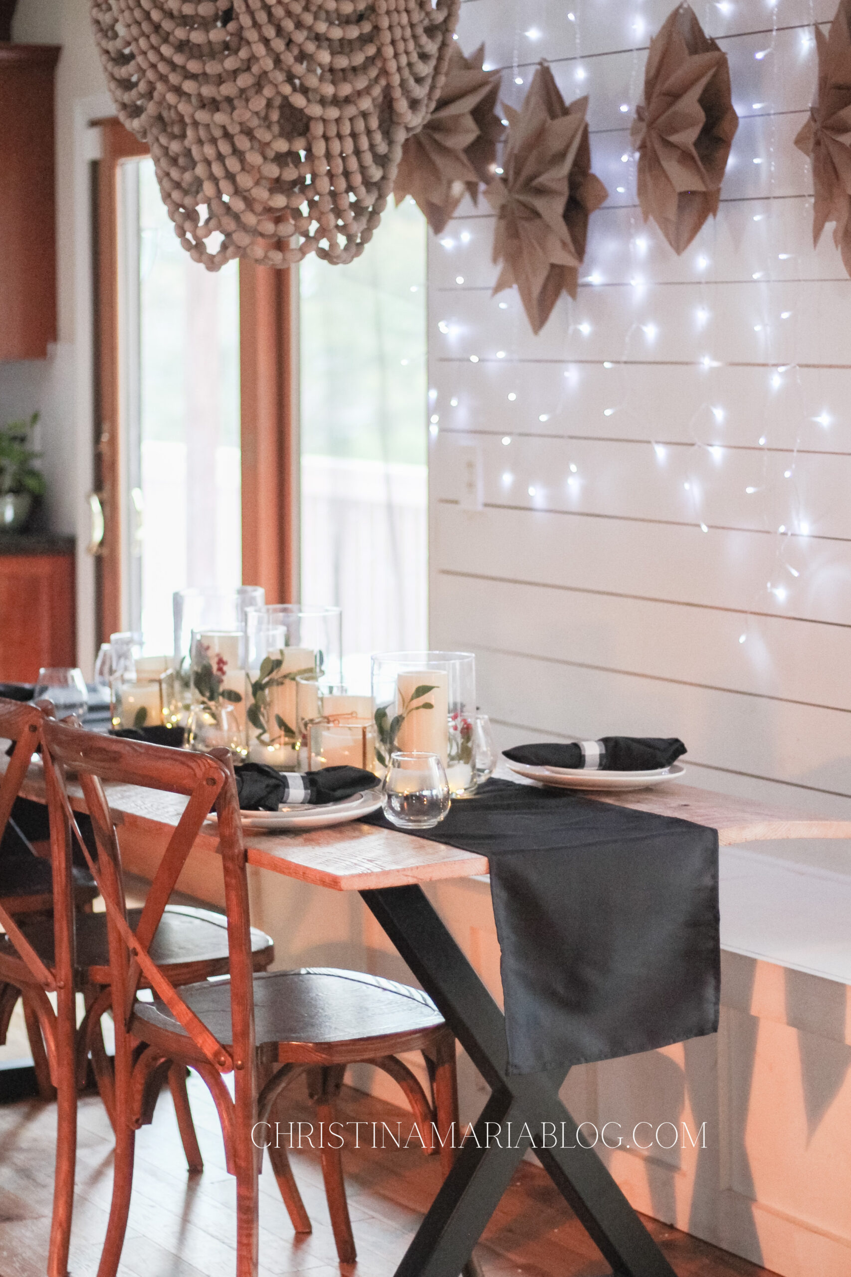 Cozy Christmas table decorations