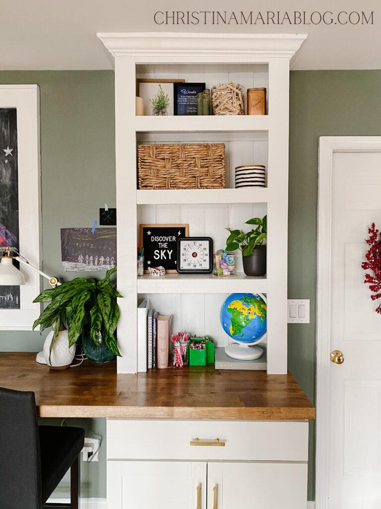 built in white bookshelves