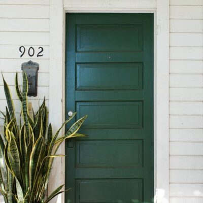 Green front door : paint colors and design inspiration